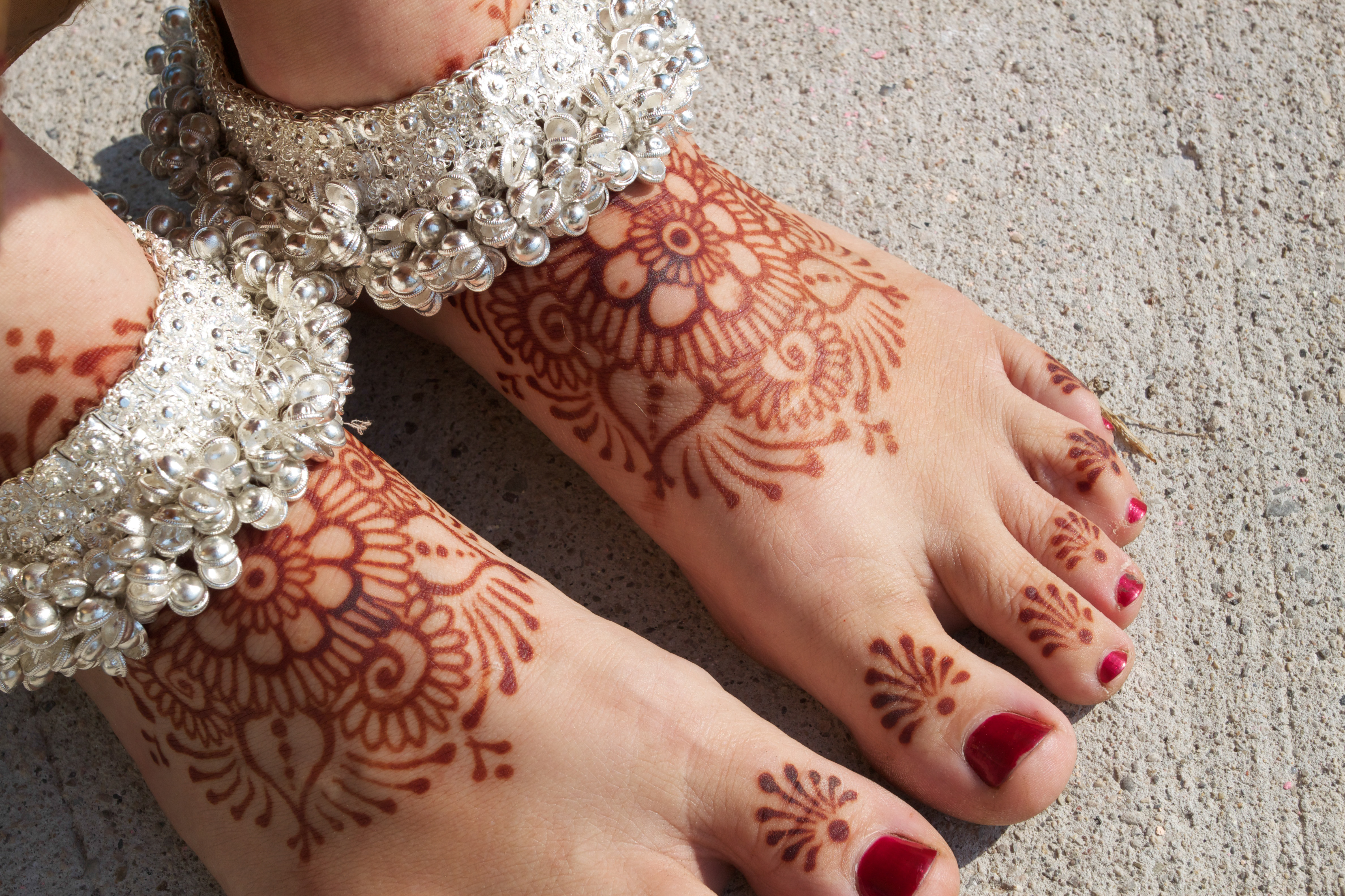 Bridal henna on the feet.