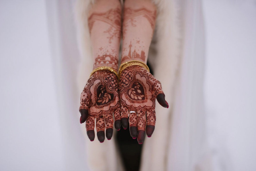 Bridal Henna with Toronto skyline.