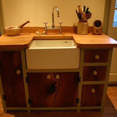 Freestanding Butler sink cabinet