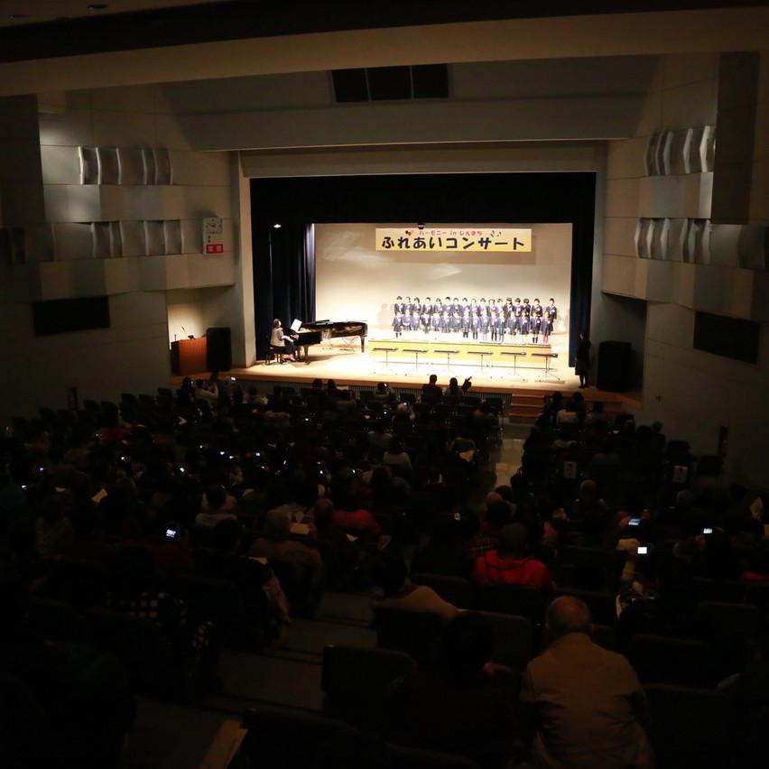 新町文化ホールのステージ