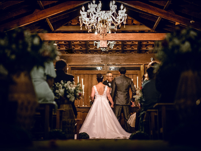 WHAT KIND OF MUSIC SHOULD YOU CHOOSE FOR YOUR WEDDING?