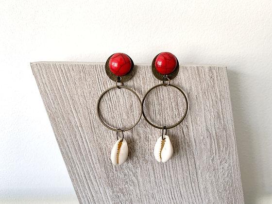 Boucles d'oreilles rougest bronze avec cauri