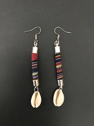 Boucles d'oreilles ethniques bordeaux avec cauri