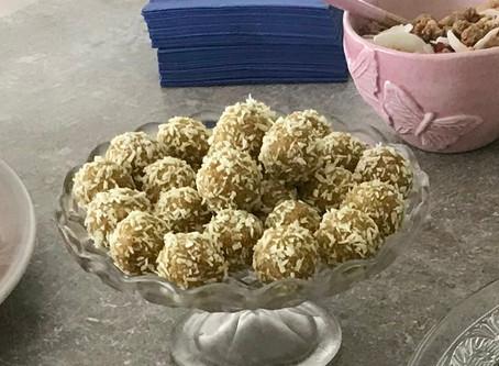 Ananas- och limebollar