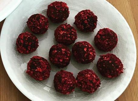 Hälsosamma chokladbollar med hallon