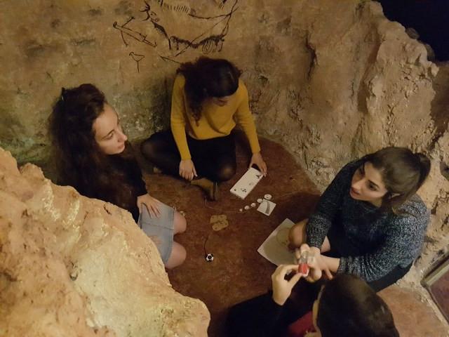 """חדר בריחה """"שובו של האדם הקדמון"""" מוזיאון האדם והחי"""