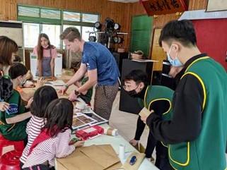 Safari volunteers.jpg