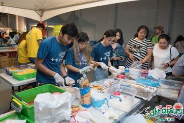 Kitchen volunteers 1.jpg