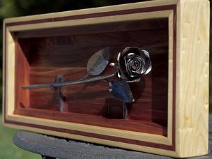 Rose_éternelle_dans_cadre_et_boitier_en