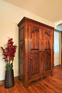 Armoire reproduction Louis 15  1.jpg