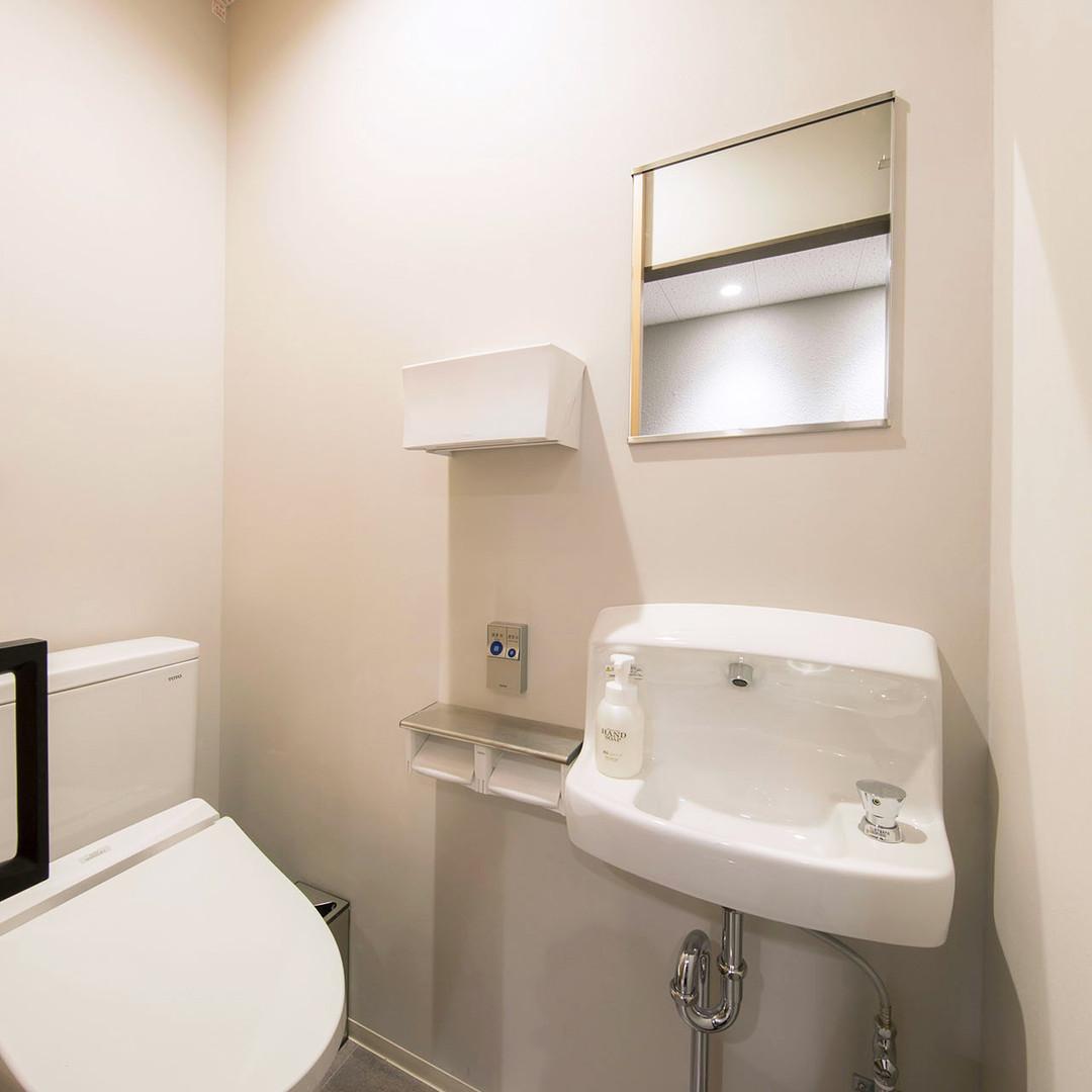 montan_image_restroom_01.jpg