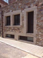 Puertas y ventanas de granito