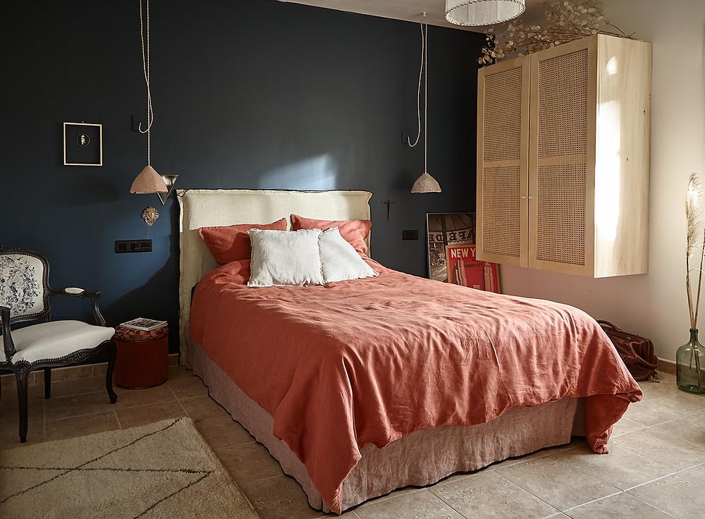 Linge de lit, tête de lit, Atelier Compas, tapissier Gard