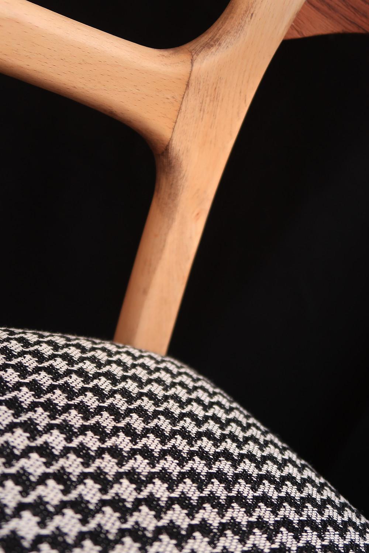 Détail Fauteuil Baumann Atelier Compas tapissier Gard Hérault