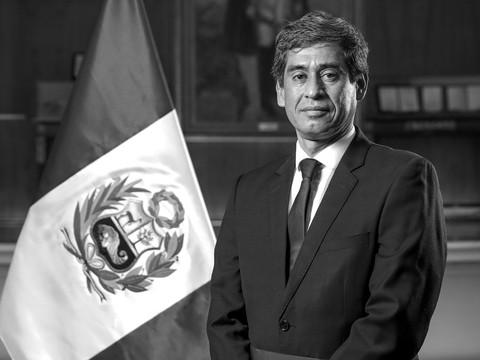 Carlos Lozada Contreras - Ministro del Ministerio de Vivienda, Construcción y saneamiento