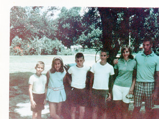 Lloyd Ahlschwede's children, neices and nephews