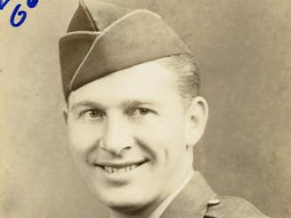 Lloyd Ahlschwede, Army Air Corps