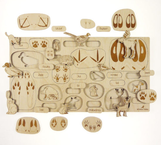 Animal footprint puzzle tray