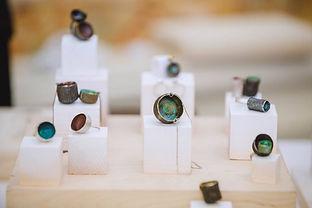 Contemporary jewellery exhibition.  Autor 2017  Exhibición de joyería contemporánea. Autor 2017.  One of a kind pieces, colorful emptiness collection
