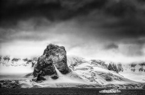 _G5O9743_roca negra iceberg.jpg