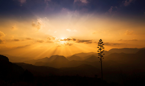 Montañas rayos luz_MG_7774-Edit.jpg