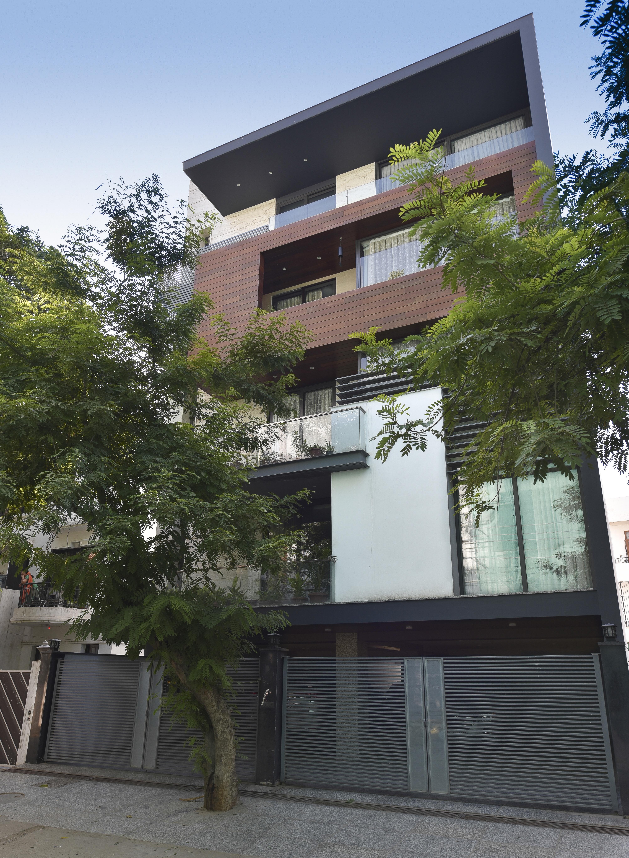 DLF Phase II Apartment