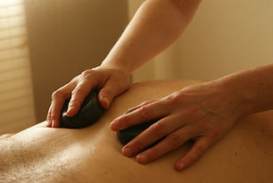 massage-389727_1920.jpg