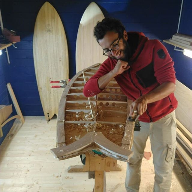 Stage de shape hollow!😁_#woodsurfboard