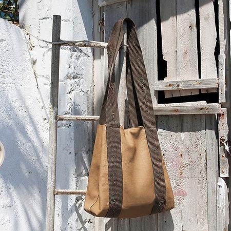 Minimal design, handcrafted design by Elena Stavropoulou Vandelli