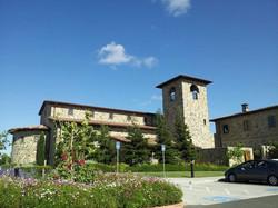 Jacuzzi facade corner Cardinal Transportation Wine Tours