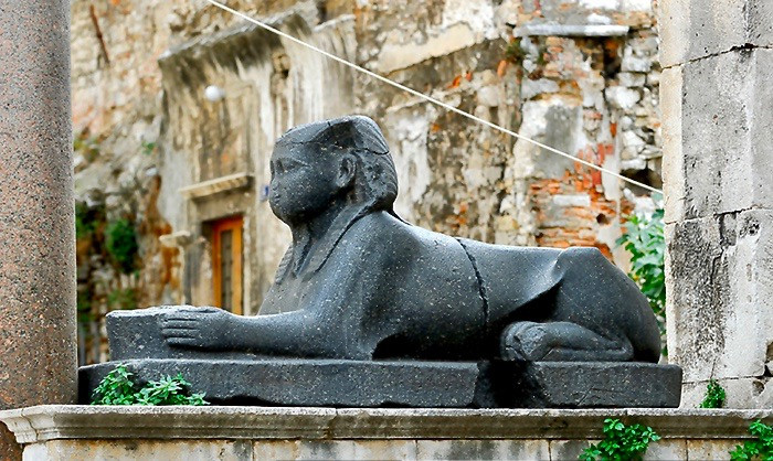 the black granite sphinx of the Peristyle, dating from 1425 BC