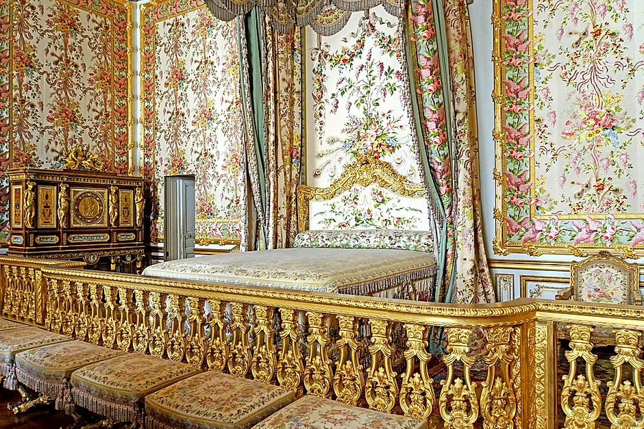 Marie Antoinette's royal bedroom in the Queen's Apartments in Versailles