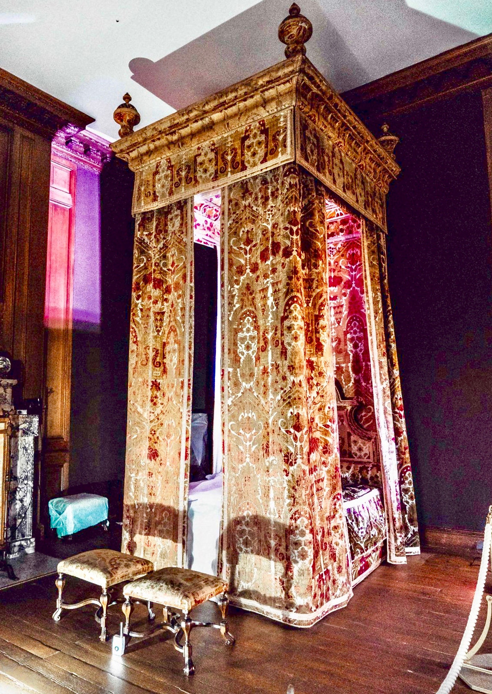 Queen Anne's 18th century bed
