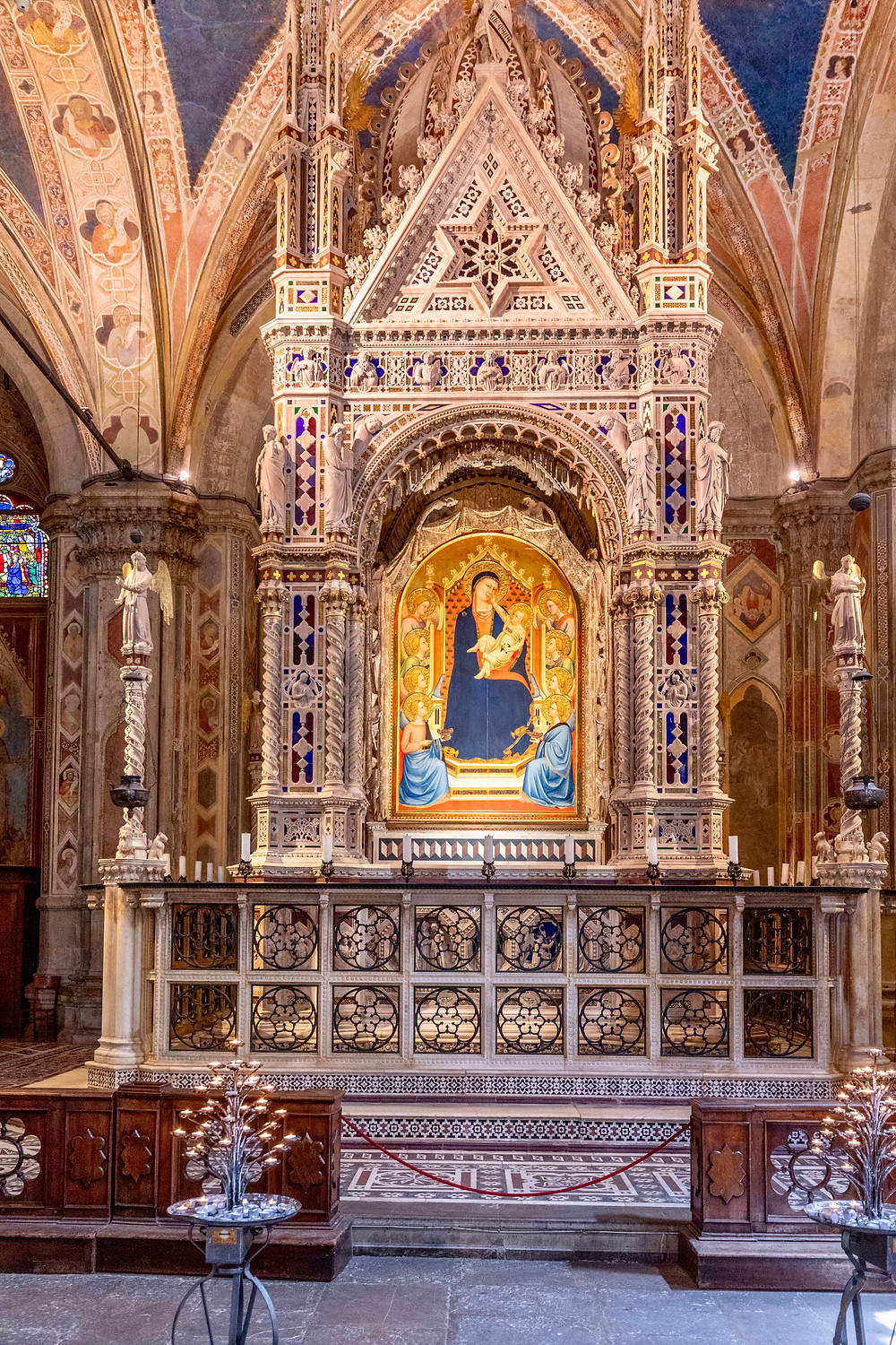 the white marble Tabernacle with the painting of the miraculous madonna