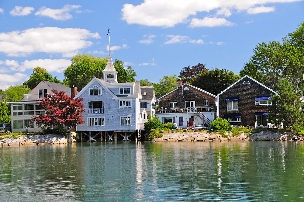wooden houses in Kennebunkport Maine