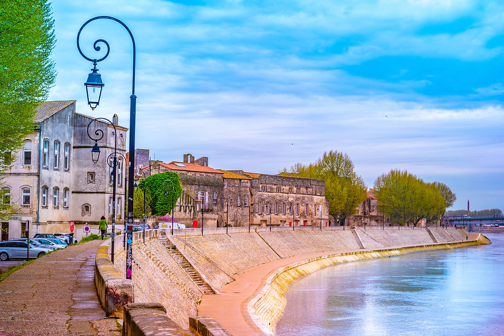 the embankment in Arles, which is perfect for strolling