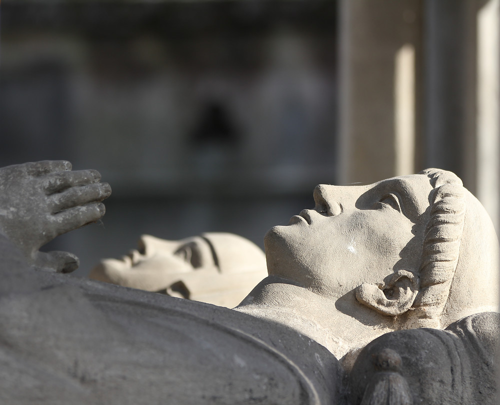 statues of Abelard and Heloise