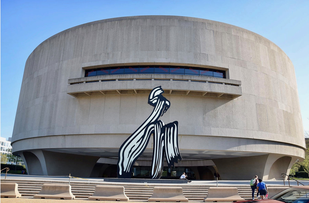 the Hirshhorn Museum, with Roy Lichtenstein's Brushstrokes