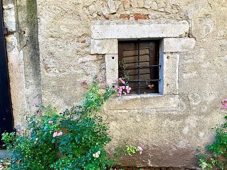 picturesque stony facade in Durnstein