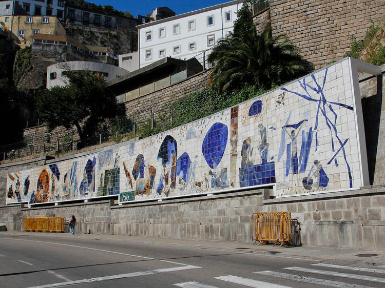 Júlio Resende's azulejo art mural called Ribeira Negra