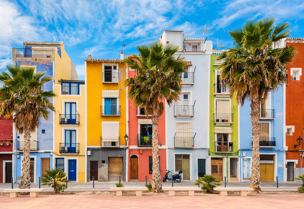 colorful houses in Villajoyosa