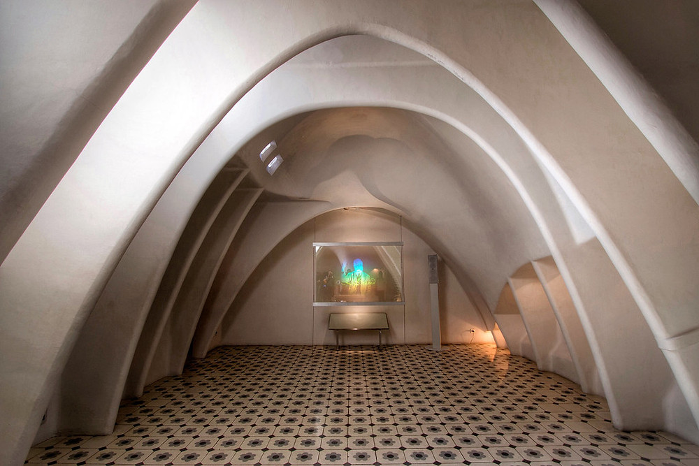 the white attic with 60 catenary arches