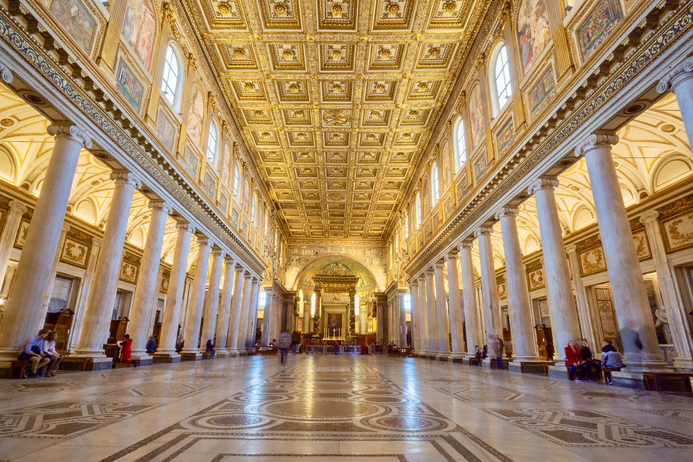 the nave of Santa Maria Maggiore in Rome