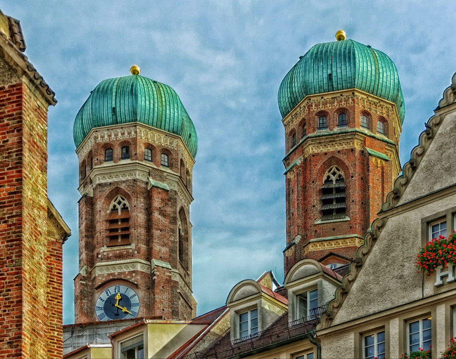 the green onion dome of Frauenkirche