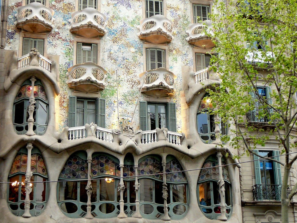 the iconic facade of Casa Batlló, which is rather more colorful than La Pedrera