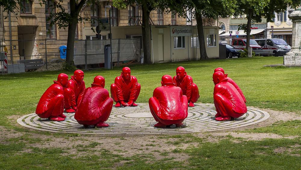 Meeting, Wang Shugang, 2013 -- installation sculpture
