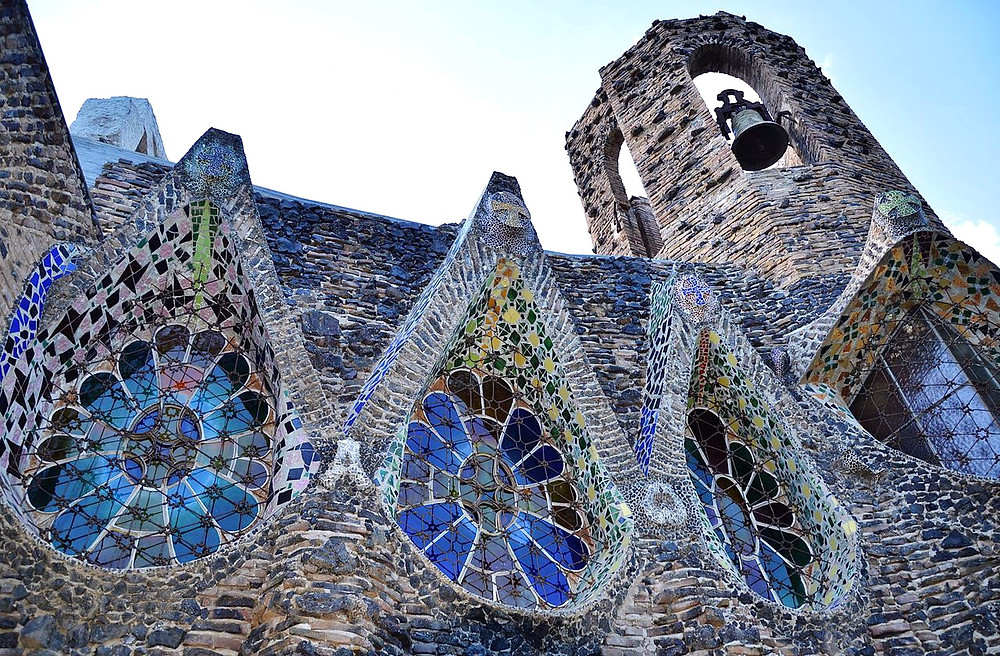stained glass windows in Colonia Guell