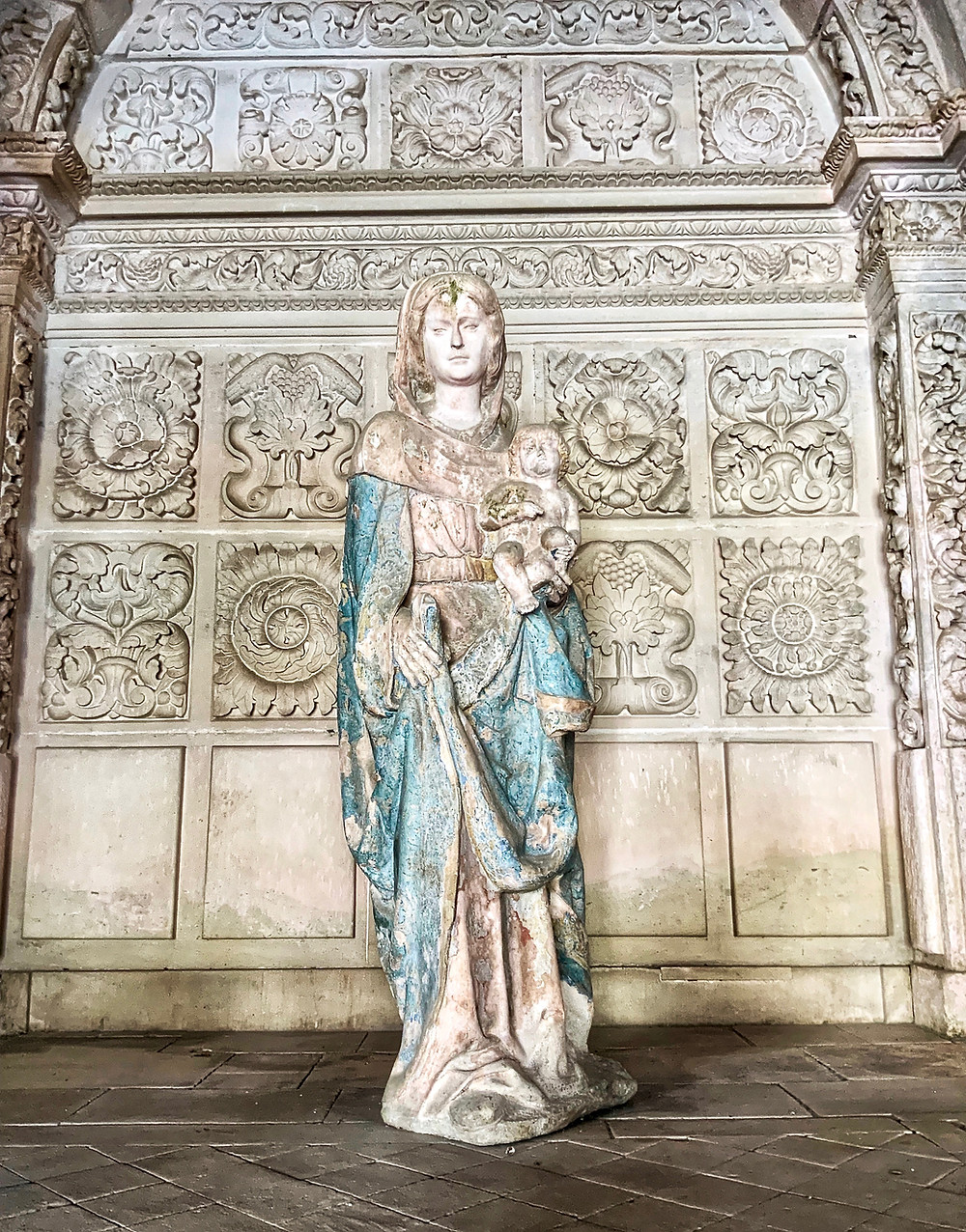 The statue of the Virgin of the Cloister in the Reading Cloister. According to Cistercian tradition, an image of the Virgin Mary should always be present when the bible was read.
