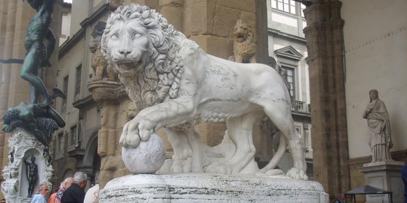 a Medici lion in the Loggia dei Lanaza