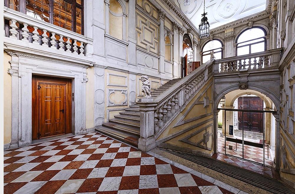 interior of Ca' Rezonnicco